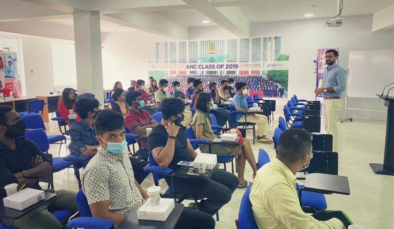 A guidance session conducted by Sunesh Rodrigo - DGM Strategic transformation MAS Holdings (2)
